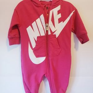 Nike one piece outfit Girl's 0-3 mo.
